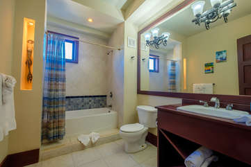 La Beliza 504 Large guest bathroom