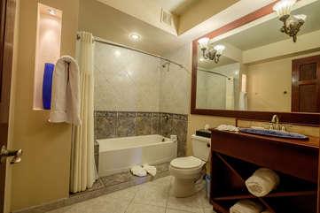 La Beliza 604 Guest Bathroom