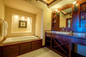 La Beliza 604 Master Bathroom suite garden tub