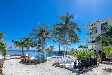 La Beliza enjoy the sun, beachfront and warm Caribbean breeze