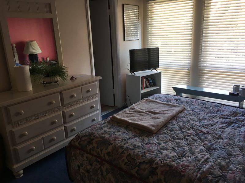 2nd floor bedroom, view2