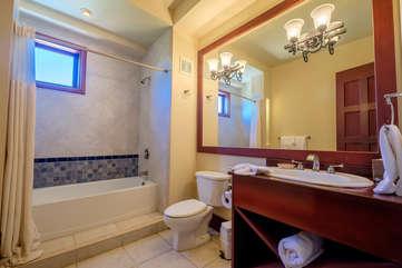 La Beliza 506 guest bathroom