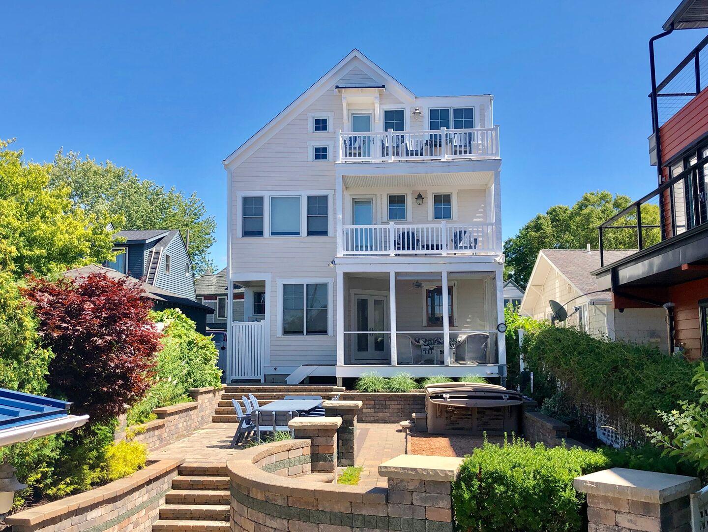 The Hideout | House Rental Michigan Lakeside | Beachwalk