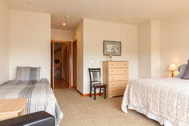 Level 1 - Bedroom 3 - Queen + Twin