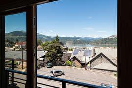 Level 2 - Amazing Living Views! (No balcony)