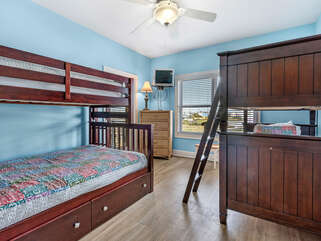 Sea Urchin South  Bedroom 4, single bunk, and single over double bunk