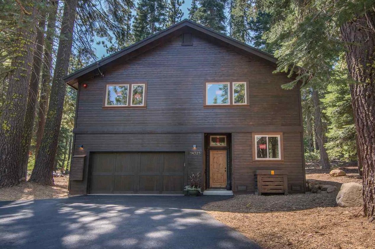 Contemporary Retreat at Tahoe Donner Lake Tahoe