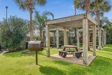 Convenient charcoal bbq pits and picnic tables right on the grounds of Casa Del Mar