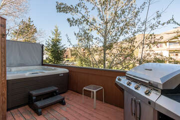 Rear deck with gas grill and private hot tub
