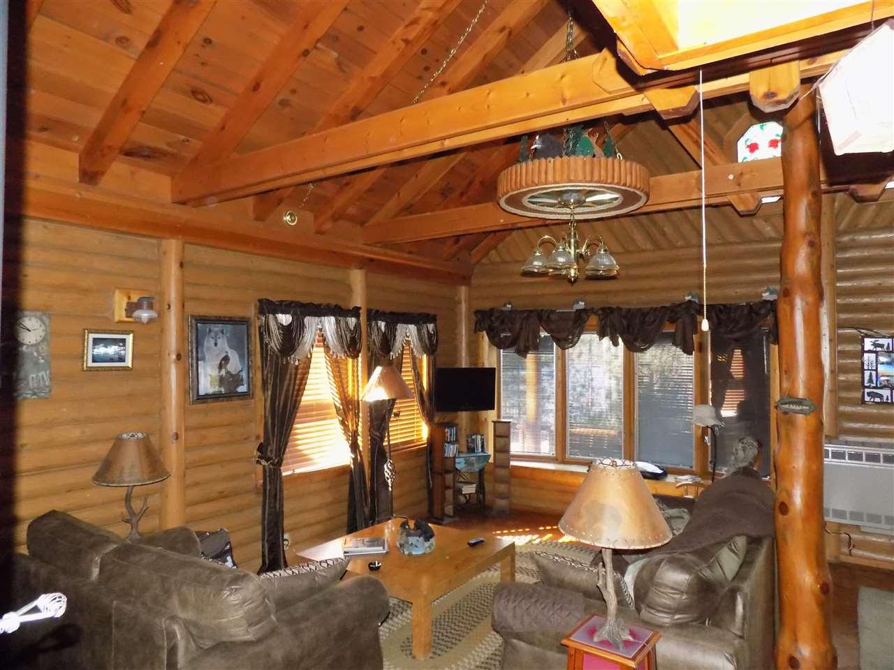 Main Cabin--Family Room