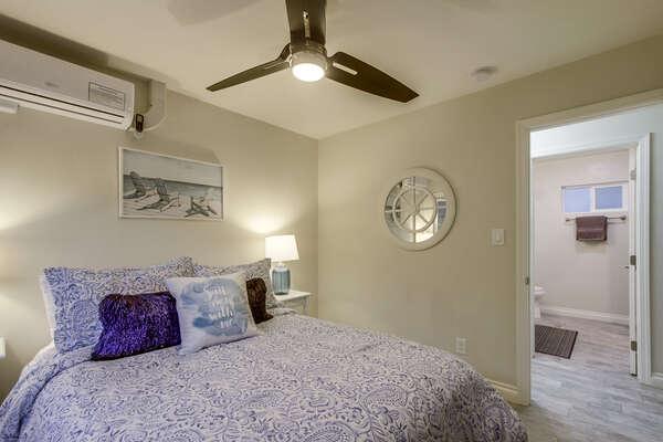 Front guest bedroom with Queen bed