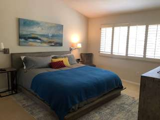 Master bedroom (King Size Bed) w/ TV