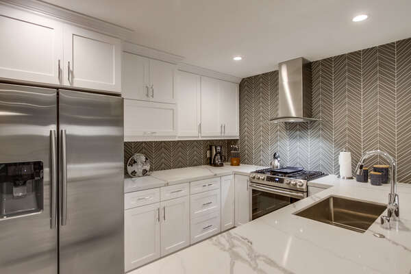 Fully Stocked kitchen with upgraded appliances (2nd floor)