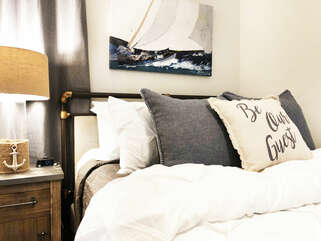 Comfortable Queen size bed with soft, clean linens!!