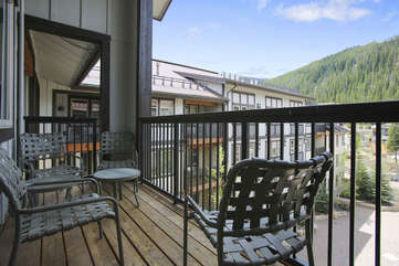 Top fllor covered deck with amazing views
