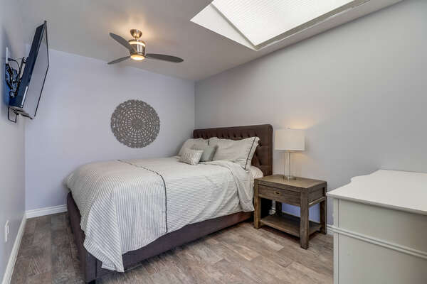 Master Bedroom- Cal King bed