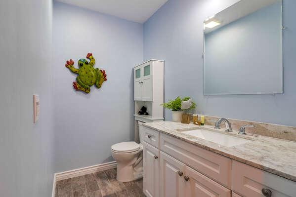 Full Bathroom in Hall