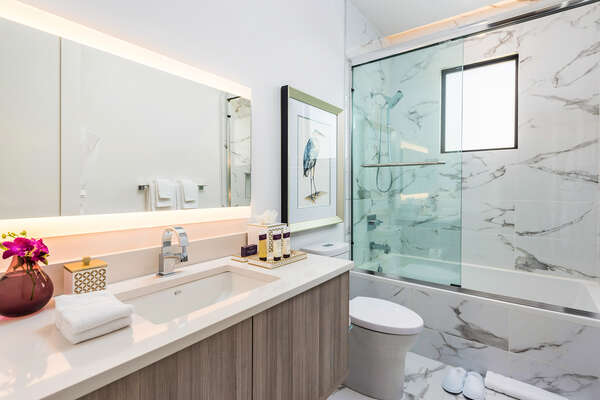 Luxury extends throughout Isole Villas, even down to the smallest details in the bathrooms