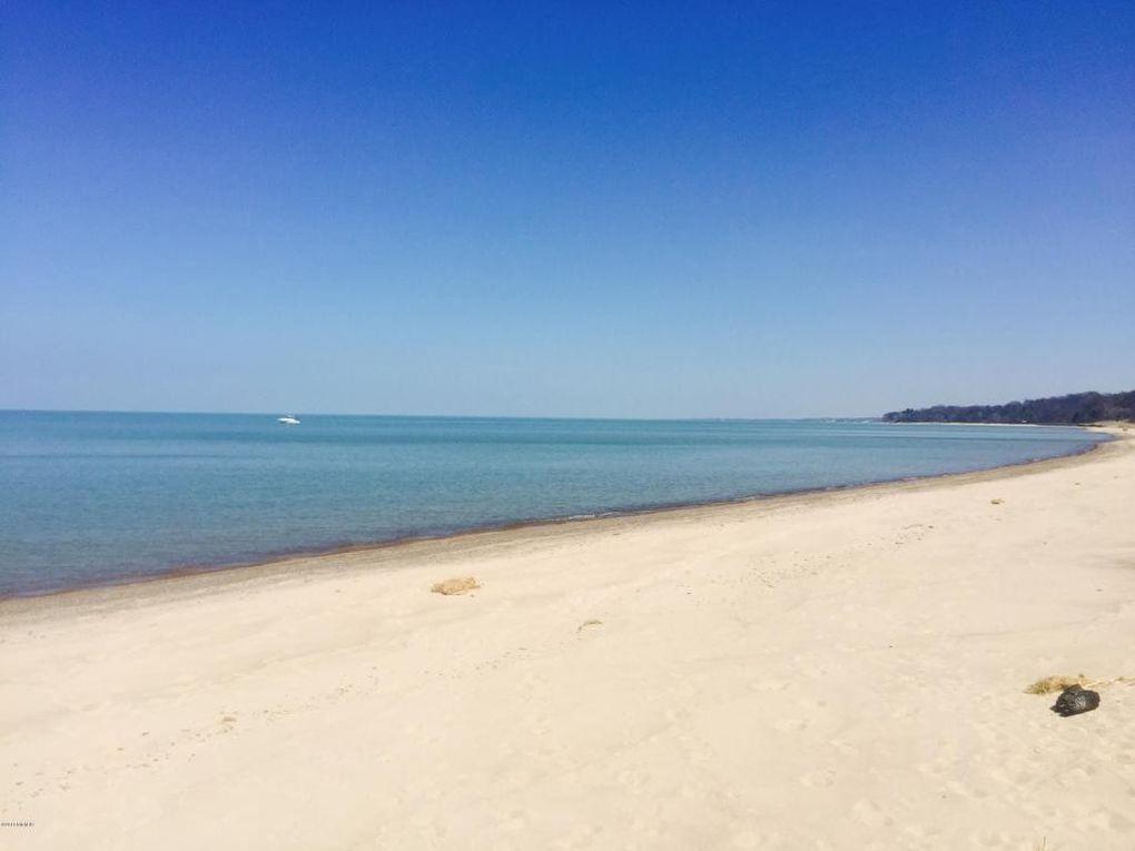 Lake Michigan, just a few blocks away