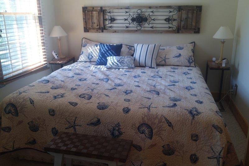 Bedroom 1--King bed
