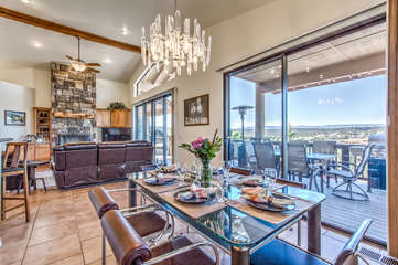 Dine in style and enjoy breathtaking views of Mongollon Rim, parks, wildlife and sunsets