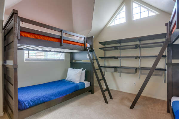 3rd floor bunk room with four Twin beds (Twin/Twin Bunk x2)