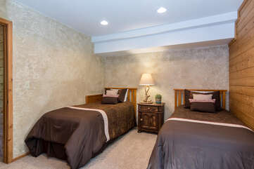 Third bedroom with two twin beds on lower level