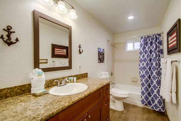 Guest BR2 En-Suite Bathroom