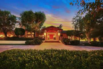 The large GATED  horseshoe driveway makes parking multiple guests easier. Gate remotes are provided to guests.
