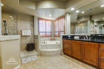 Huge shower and tub