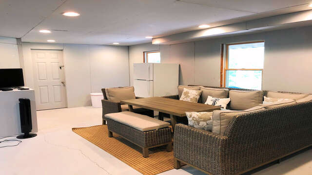 Lower Level Game room also offers extra frig to keep all your favorite libations nice and cool! 162 Owl Pond Brewster Cape Cod - New England Vacation Rentals