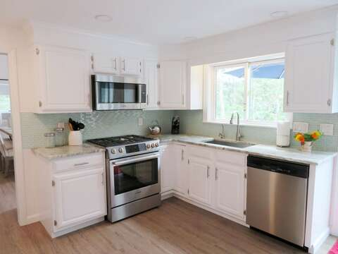Fully equipped new kitchen - 162 Owl Pond Brewster Cape Cod - New England Vacation Rentals