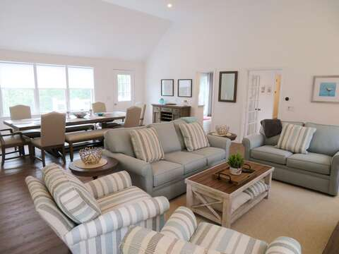 Spacious family room. Open concept living! - 162 Owl Pond Brewster Cape Cod - New England Vacation Rentals