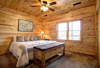 The bedroom on the Lower Level also offers a King Size Bed with adjoining bathroom