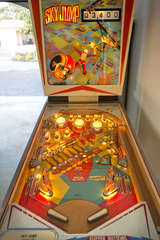 Try your skill at this true, arcade-style pinball machine. WARNING: It's addictive!