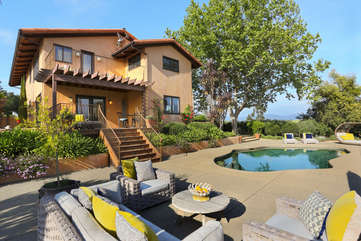 There's plenty of room to hang out with your friends outdoors at this lushly landscaped