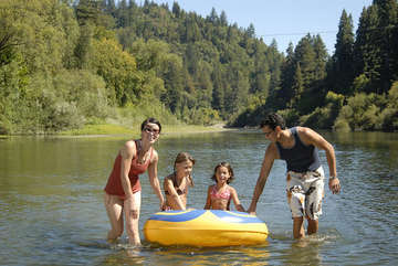 Nearby Russian River offers kayaking, swimming, and natural beauty