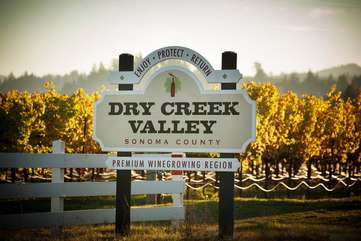 Enjoy a relaxing day of wine tasting in beautiful Dry Creek Valley