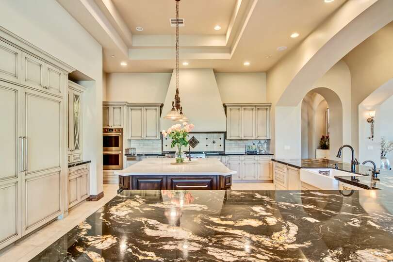 This kitchen is truly an entertainer's paradise
