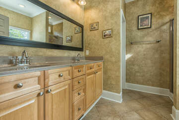 Main level master, double sinks, stand alone shower and soaking tub.