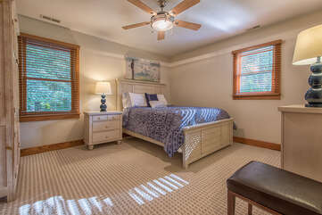 Upstairs guest room - queen size bed, new bedding!