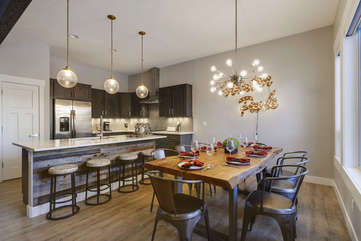 Great dining and kitchen area