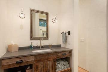 Convenient En-suite master bathroom
