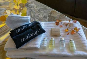 Organic hotel quality amenities for the bathrooms