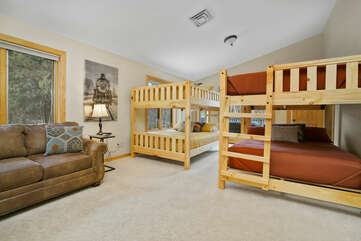 Upstairs Suite with Two Queen/Queen Bunk Beds and Queen Sofa Sleeper