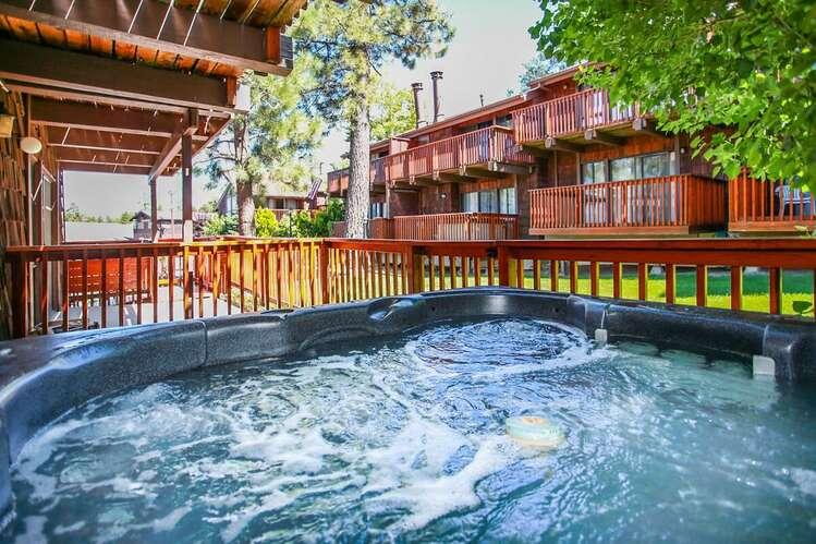 1797 - Resort Side Retreat