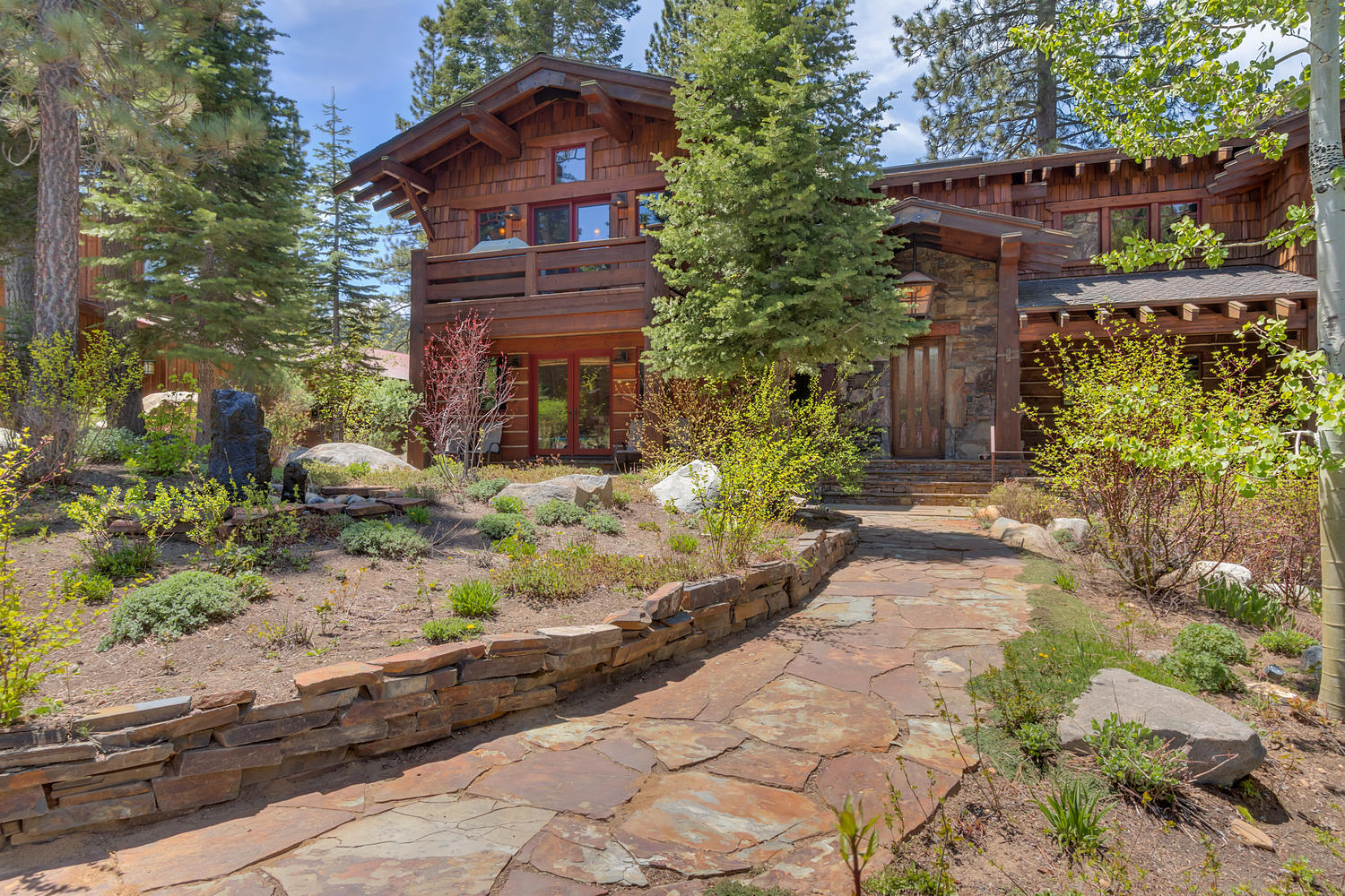 The Resort at Squaw Creek is one of the leading Lake Tahoe lodging accommodations. The hotel features premium Squaw Valley lodging and accommodations for those looking to take in the surroundings among the magnificence of an alpine setting.