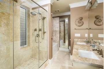 Master En Suite Bathroom