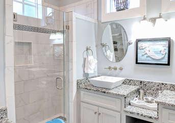 King Master Suite Bathroom