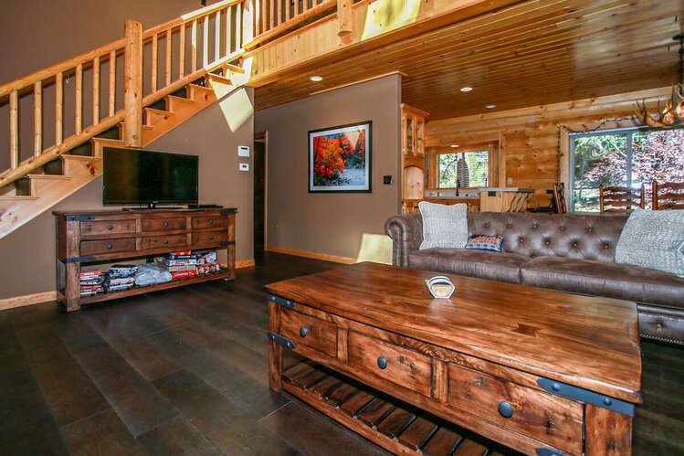 1824 - Log Home Retreat